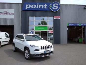 <strong>JEEP CHEROKEE</strong><br/>2.2L Multijet S&S 200 Active Drive I BVA Limited